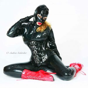 Fotoshooting-in-Lack-Leder-Latex Düsseldorf NRW