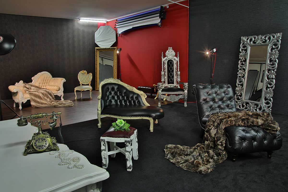 mietstudio in d sseldorf nrw fotostudio mieten mit barock m beln. Black Bedroom Furniture Sets. Home Design Ideas