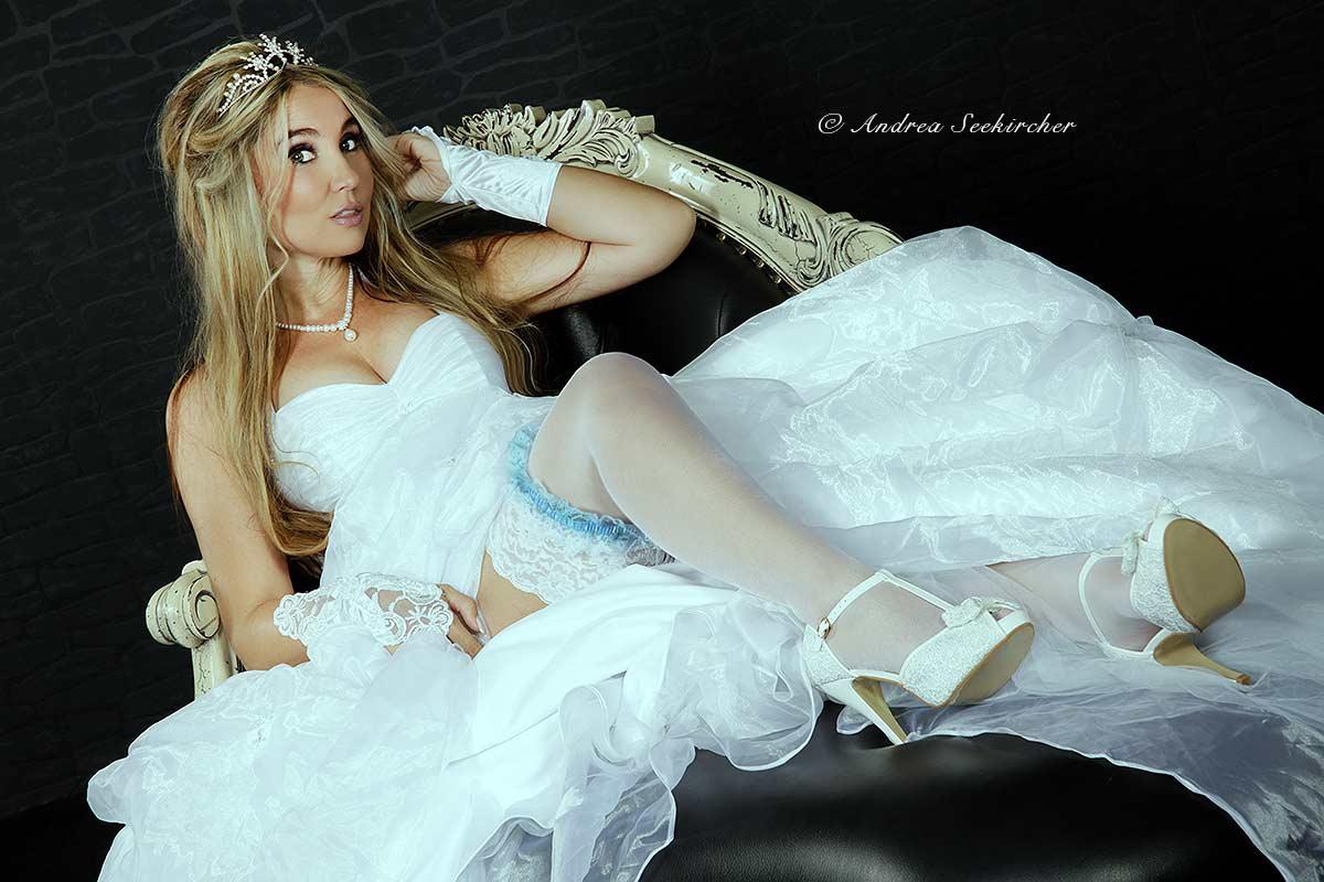 Fotoshooting im Brautkleid Hochzeitskleid